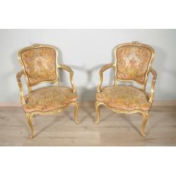 Fauteuils bois doré style Louis XV petit point