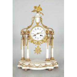 Pendule Style Louis XVI Bronze Doré