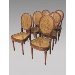 Six chaises cannées style Louis XVI